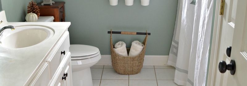 Holiday-Ready-Bathroom-Refresh-with-BEHR-Marquee-Paint.jpg