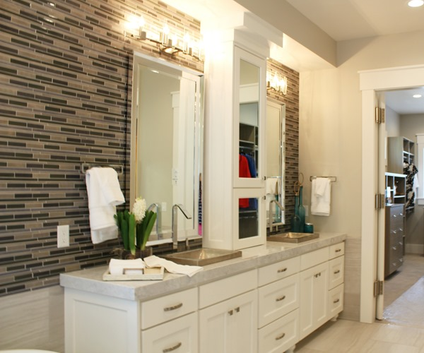 Parade of homes paint color scheme and tour patrick for Master bathroom colors 2016
