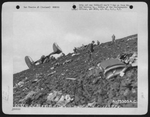 b-24 ac 123728 in iceland killing fourteen members. among those killed were lt. general frank m. andrews 4 ma 1943