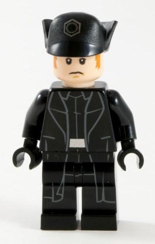75104 General Hux
