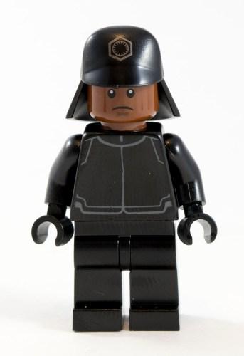 75132 First Order Officer