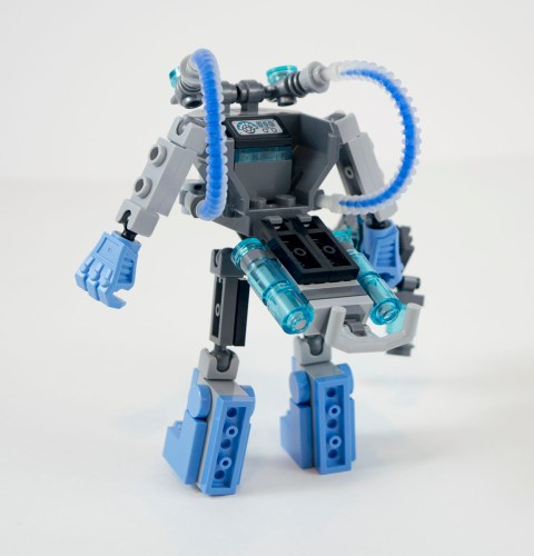 70901-Mr.-Freeze%E2%80%99s-Exosuit-Back.