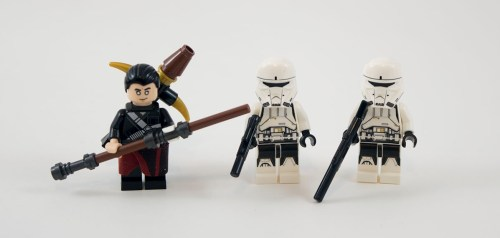 75152-imperial-assault-hovertank-minifigures
