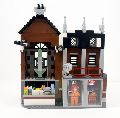 70912-arkham-asylum-right-wing