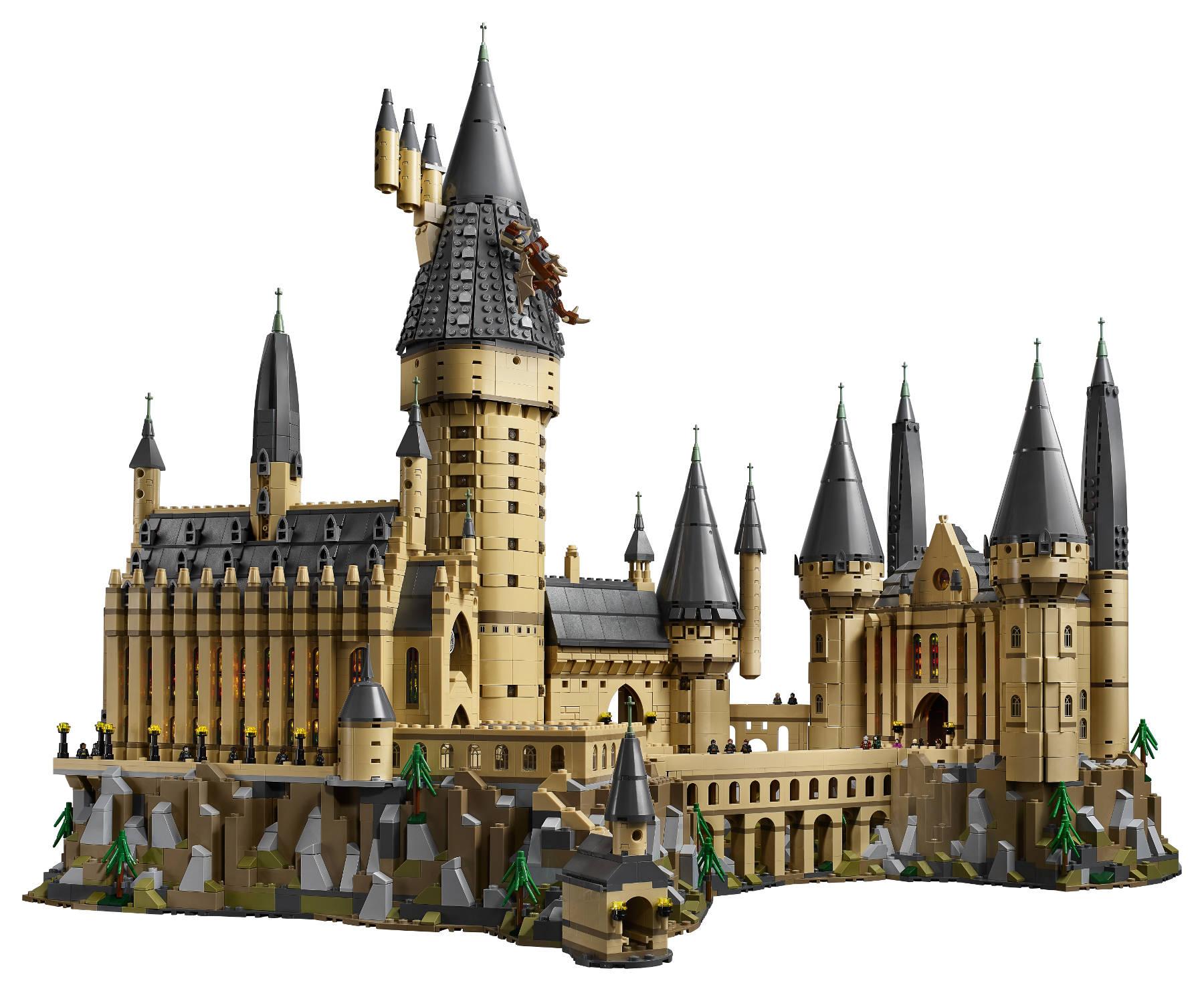lego reveals gigantic microscale hogwarts castle fbtb. Black Bedroom Furniture Sets. Home Design Ideas