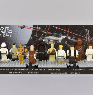 2c47b94d8d7078 Peter Abrahamson s Kenner Star Wars Early Bird Display In LEGO