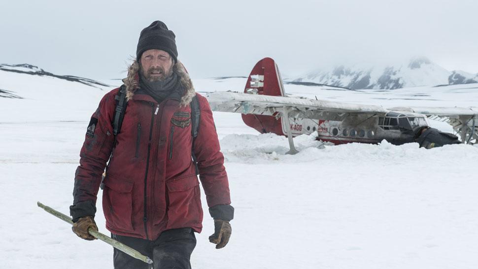 Mads Mikkelsen stars as Overgård in ARCTIC, a Bleecker Street release. Credit: Helen Sloan / Bleecker Street