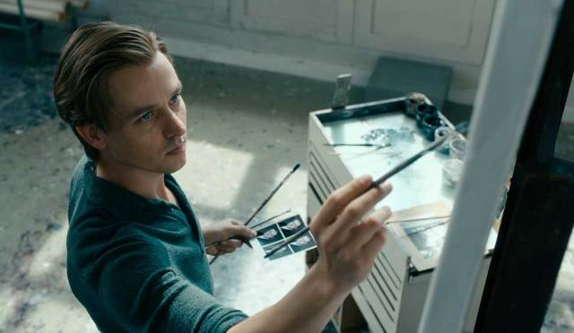 "REVIEW: ""Never Look Away"" ★★★★ and ½"