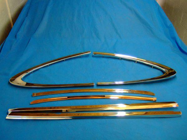 Capri side chrome in Stainless steel