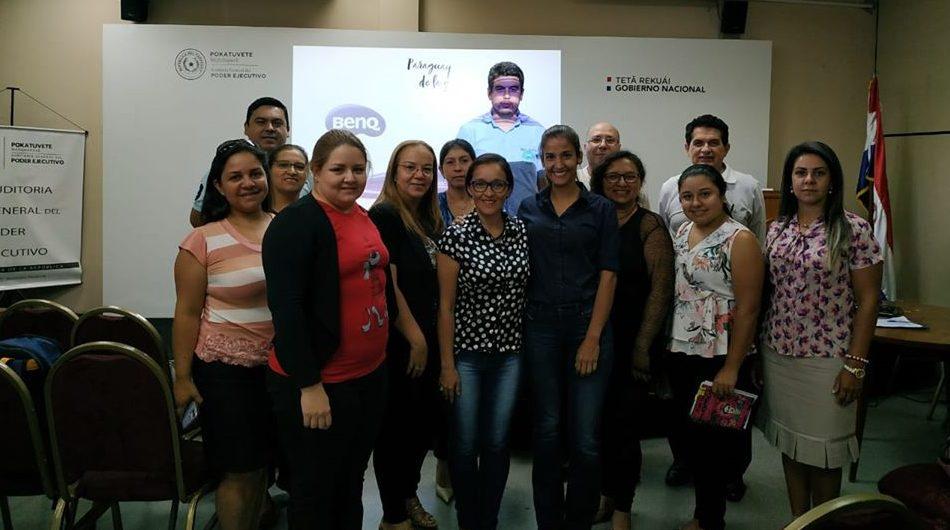 Funcionarios de la UNE participan del Curso Taller sobre MECIP en Asunción