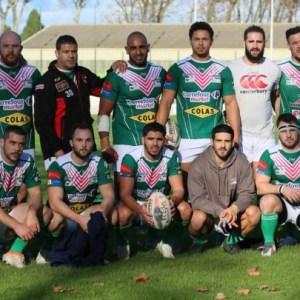 l'équipe de rugby de lézignan pren la pose