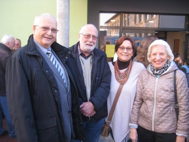 in Vertreter des FDP-Ortsverbandes bei der Einweihung des Neubaus zur kooperativen Schulbetreuung dabei