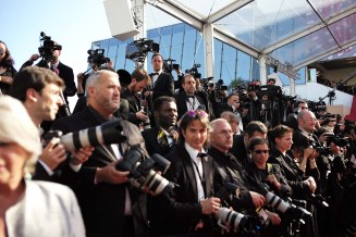 Telephotos and flash covering the Red Carpet