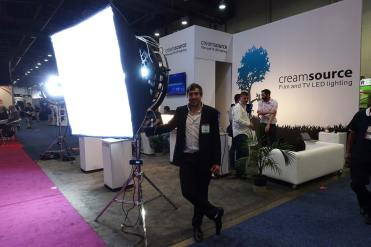 Creamsource's Tama Berkeljon with powerful new light: stand or space, variable color