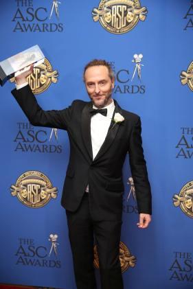 Lubezki-with-award