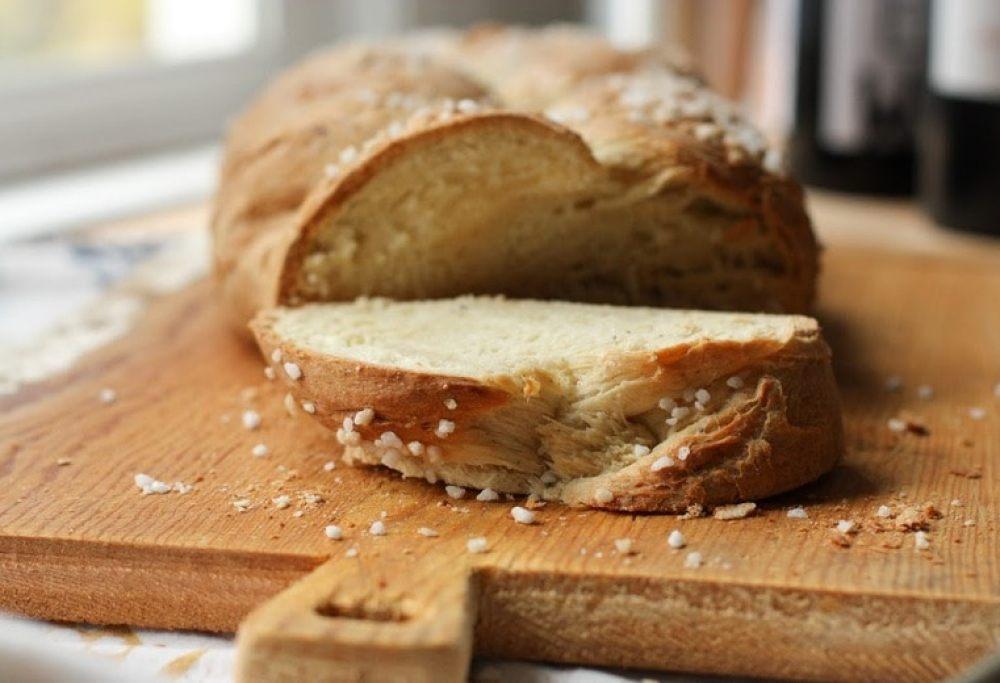 Pulla – Finnish Cardamon Bread