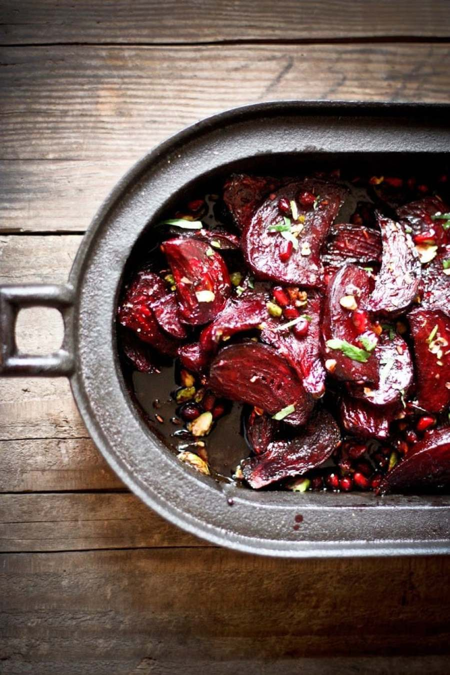Moroccan Roasted Beets + 15 delicious Thanksgiving SIDE DISHES that will turn your dinner into a feast! | www.feastingathome.com