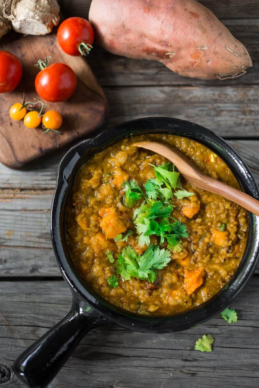 15 Cozy Fall Dinners that are MEATLESS!   Fast and Easy Sweet Potato and Lentil Dal www.feastingathome.com