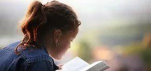 girlreadingbible