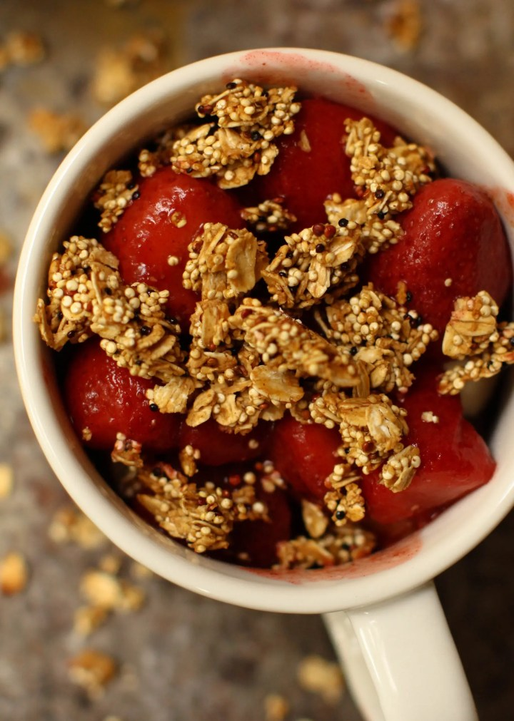 Balsamic Strawberry Banana Quinoa Crunch Bowl