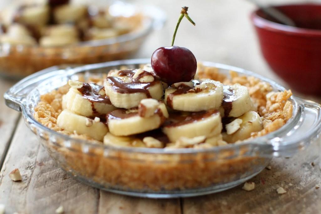 Banana Slice-not-Split Pie - FeastingonFruit.com