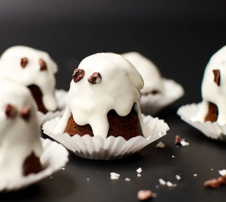 Dark Chocolate Coconut Ghosts - FeastingonFruit.com