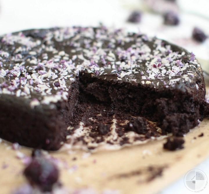 Vegan Flourless Chocolate Cake   Only 5 Ingredients!