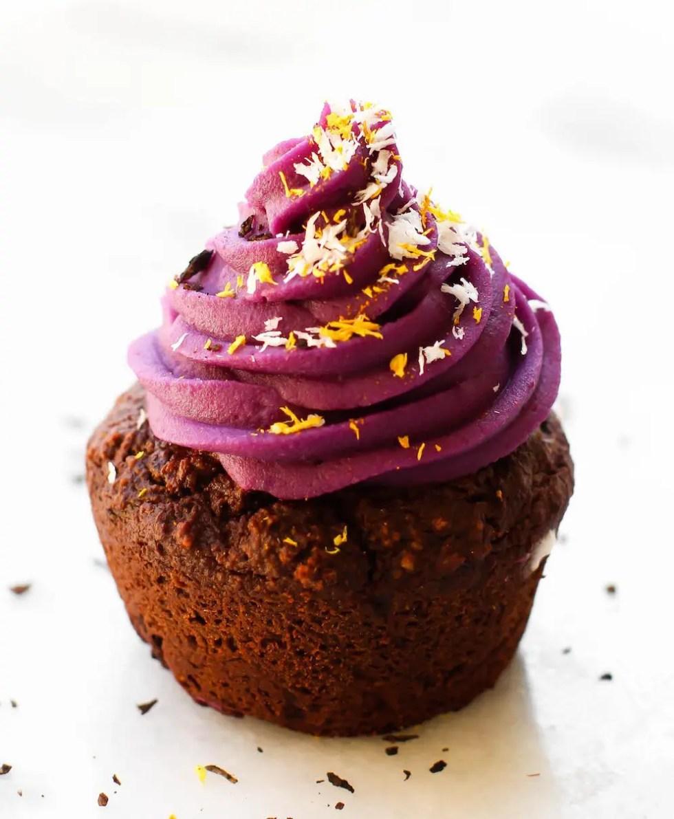 Vegan Halloween Cupcake Monsters {gluten-free, oil-free, naturally colored}