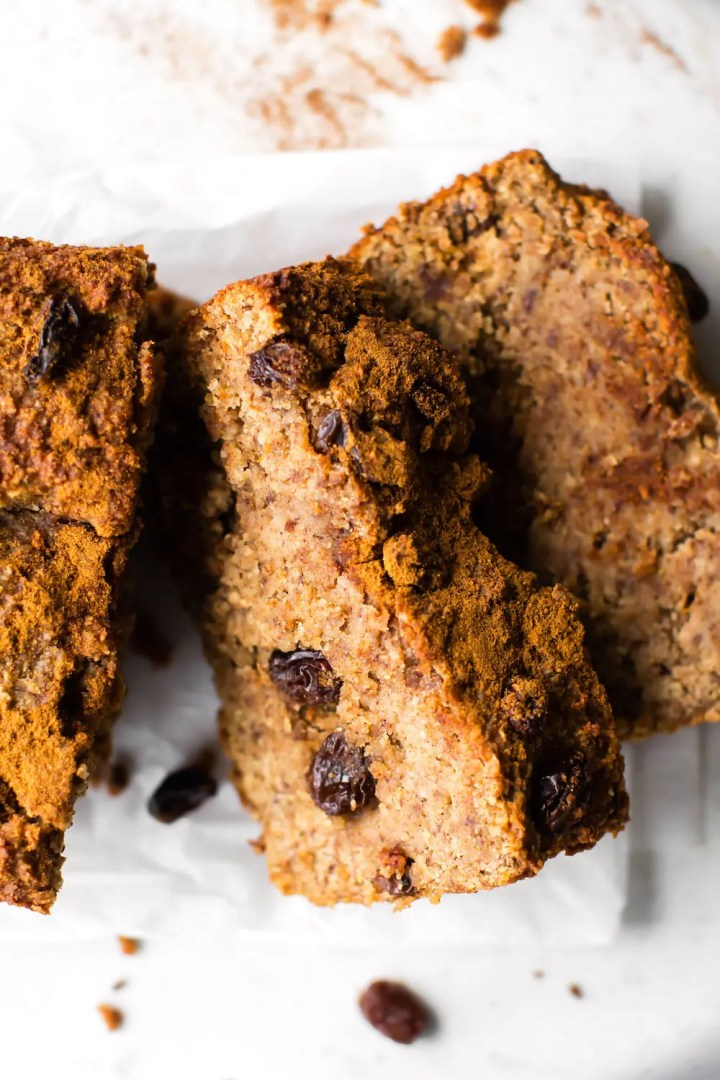 Cinnamon Raisin Banana Bread (vegan, grain-free, no added sugar)