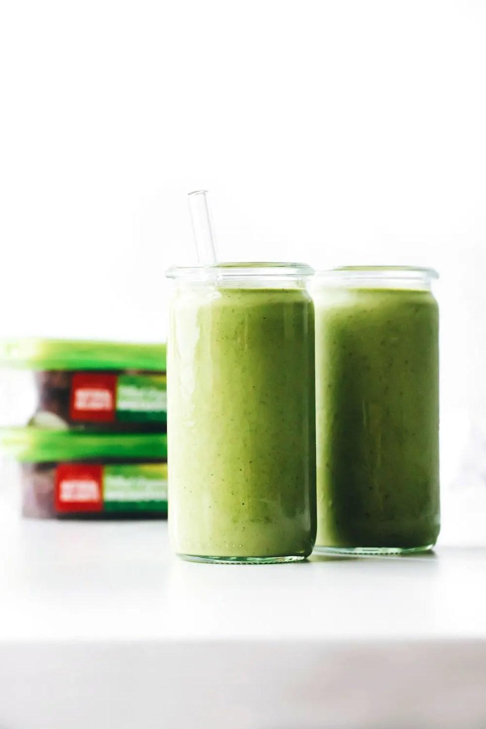 Creamy Medjool Date Green Smoothie