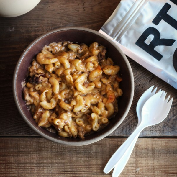 The Walking Dead: Rick and Michonne's Mac and Cheese with Chili recipe