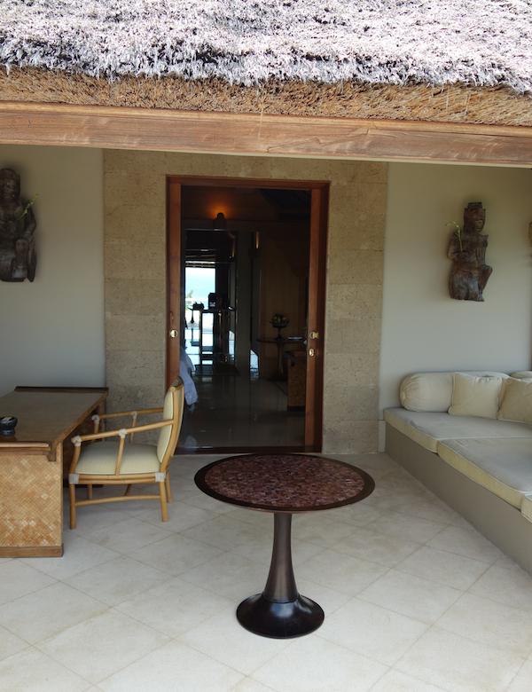 villa entrance2