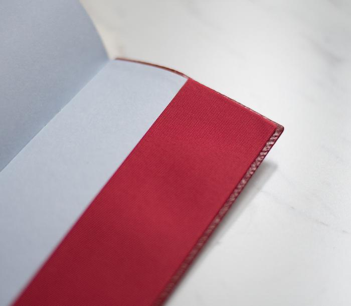 smythson-ribbon-pocket