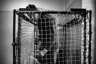Raymond Depardon's Inside Look at Italian Insane Asylums Before ...