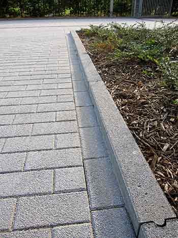bordures prefabriquees en beton pour jardin