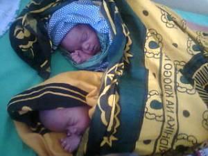 Gemelos en Mwanzugi