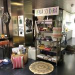 Art d. cook cede un espacio para rincón solidario