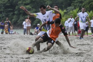 futbol-playa-disputo-domingo-Puntarenas_LNCIMA20140810_0130_1