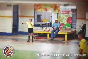 Mariana Prendas árbitra de fútbol sala (2)