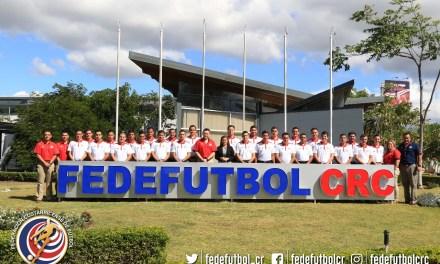 FEDEFUTBOL prepara a nuevos árbitros