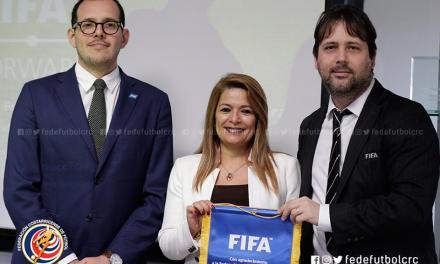 FIFA cierra seminarios en el país anunciando más inversión
