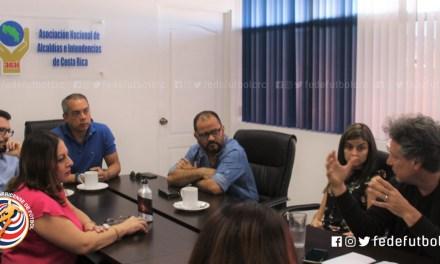 Alcaldías y FEDEFUTBOL buscan rescatar espacios en zonas de riesgo social