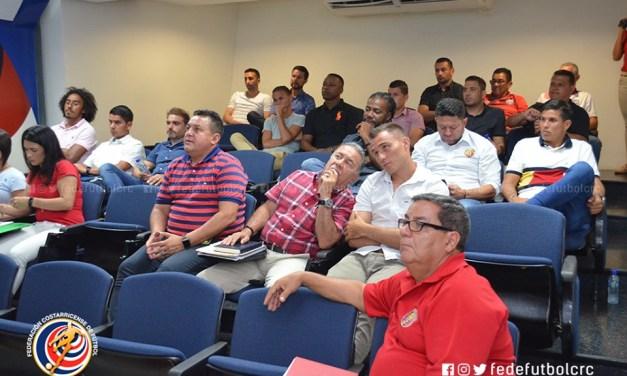 Clubes reciben charla de la Comisión de Arbitraje
