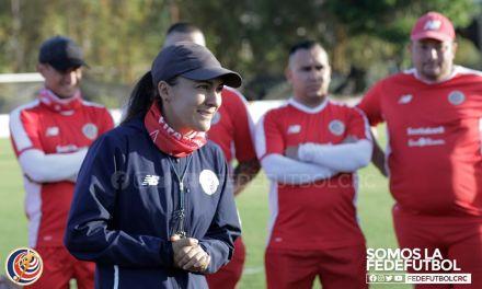 """Amelia Valverde: """"Seguimos planificando entrenamientos y analizando rivales"""""""