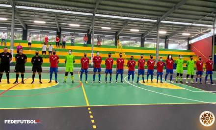 Selección de Fútsal inauguró con victoria moderno complejo en Orotina