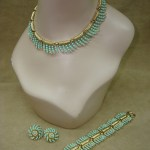 VINTAGE 1950'S CROWN TRIFARI FAUX TURQUOISE NECKLACE BRACELET & EARRINGS SET!