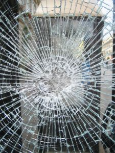 1006530_broken_glass.jpg