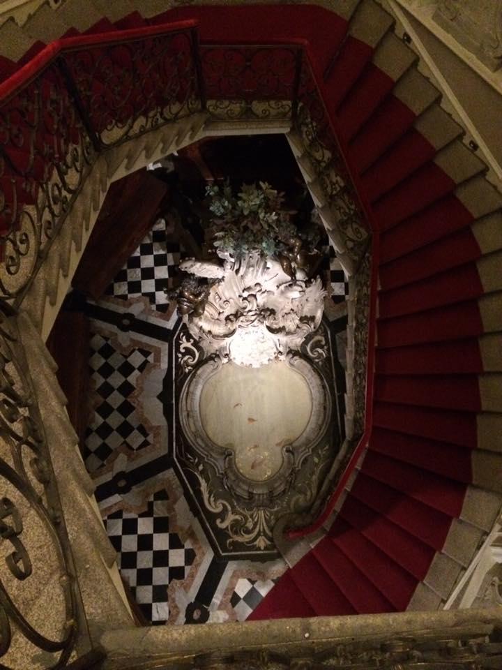 Museo Poldi Pezzoli. Visione dall'alto dello Scalone Settecentesco.
