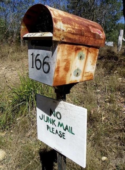 Fotografía que pide el fin del uso del mail marketing para enviar correo basura.