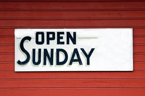 Empresa abierta en domingo
